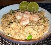 Gebratener Reis mit Garnelen (Bild)