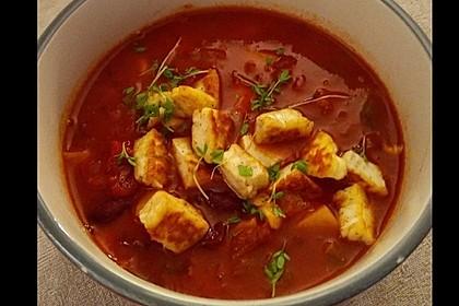 Vegetarische Gulaschsuppe mit Halloumi (Bild)