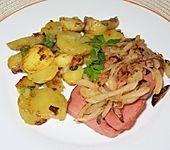 Leberkäse mit Bratkartoffeln und Zwiebeln (Bild)