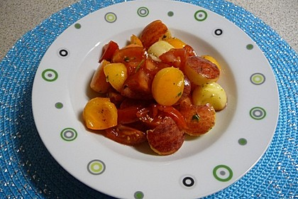 Kaki-Apfel-Tomaten-Salat mit Honig (Bild)