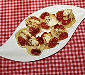 Kartoffelscheiben mit Tomaten, Thymian und Feta überbacken (Bild)