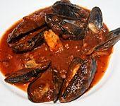 Miesmuscheln in Tomaten-Specksauce (Bild)
