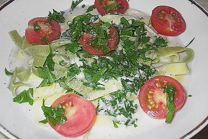 Bandnudeln in Gorgonzola - Soße mit eingelegten Tomaten 7