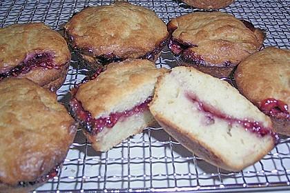 Gefüllte Marmeladenmuffins 11