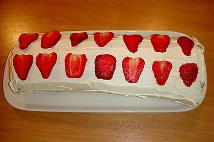 Erdbeer-Sahnerolle 117