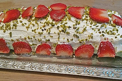 Erdbeer-Sahnerolle 98