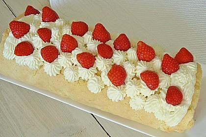 Erdbeer-Sahnerolle 23