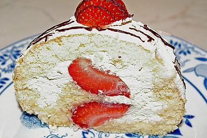 Erdbeer-Sahnerolle 41