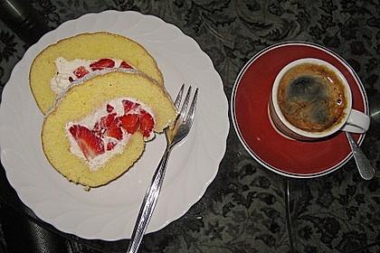 Erdbeer-Sahnerolle 107