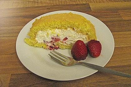 Erdbeer-Sahnerolle 170