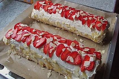 Erdbeer-Sahnerolle 60
