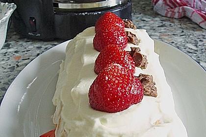 Erdbeer-Sahnerolle 101