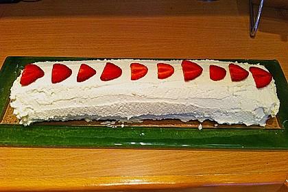 Erdbeer-Sahnerolle 130
