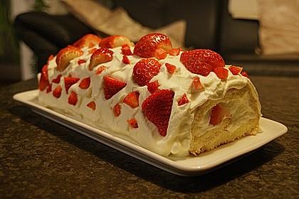 Erdbeer-Sahnerolle 57