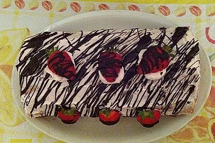 Erdbeer-Sahnerolle 87