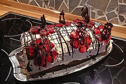 Erdbeer-Sahnerolle 48