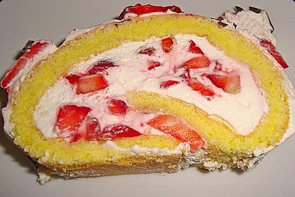 Erdbeer-Sahnerolle 77