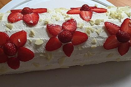 Erdbeer-Sahnerolle 10