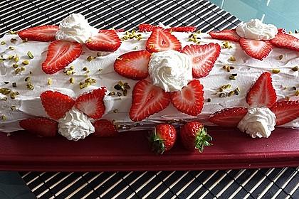 Erdbeer-Sahnerolle 25