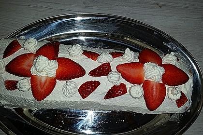 Erdbeer-Sahnerolle 28