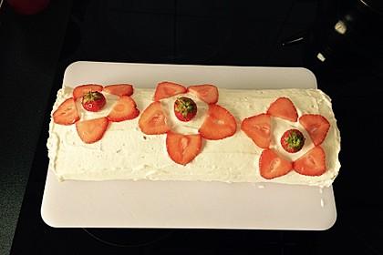 Erdbeer-Sahnerolle 35