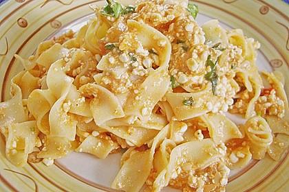 Pasta mit Hüttenkäse 36