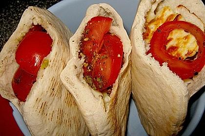 Halloumi & Tomaten Pitta