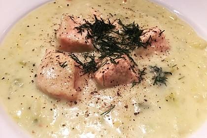 Kartoffel-Porree-Suppe mit Wildlachs (Bild)