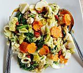 Gebratenes Gemüse mit Fischbällchen - Cap Cay Seafood ala Sriwidi (Bild)
