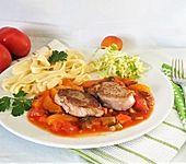 Pasta mit Medaillons und Tomaten-Aprikosensoße (Bild)