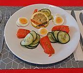 Gurken-Lachs-Ei-Salat (Bild)