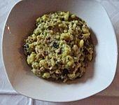 Schafuul ungerenander met Schälrippcher - Eintopf, Wirsing mit Kartoffeln und Schälrippchenfleisch untereinander (Bild)