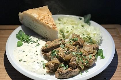 Steak-Gyros mit Joghurt, Krautsalat und Fladenbrot (Bild)