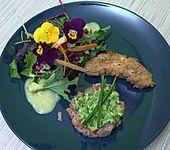 Variation vom Lachs an Salat (Bild)