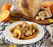 Hühnereintopf mit Orangen, Salbei und Grana Padano (Bild)