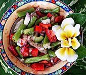 Pikanter grüner Bohnensalat mit Birnen und Paprika (Bild)