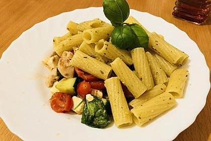 Nudeln mit Tomaten, Schafskäse und Oliven 14