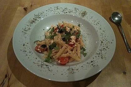 Nudeln mit Tomaten, Schafskäse und Oliven 21