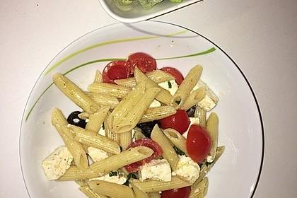 Nudeln mit Tomaten, Schafskäse und Oliven 18
