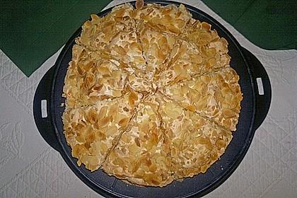 Stachelbeer - Sahne - Baiser - Torte 6
