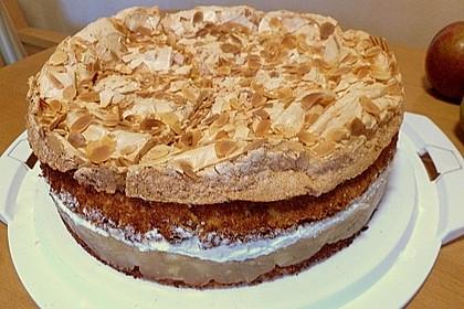 Stachelbeer - Sahne - Baiser - Torte 1