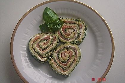 Lachsrolle mit Spinat und Frischkäse 59