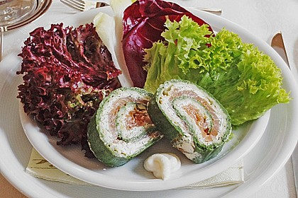 Lachsrolle mit Spinat und Frischkäse 24