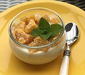 Frisches Dessert mit Mango (Bild)