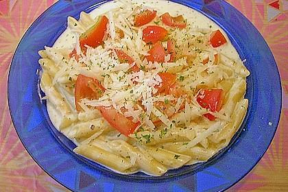 Annas Pasta mit Frischkäse - Sauce und Tomaten