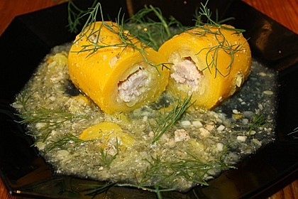 Zucchini, gefüllt mit Hackepeter (Bild)