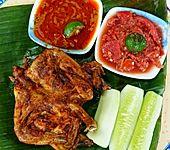 Frittiertes Hühnchen auf Kalasan Art – Ayam Kampung Kalasan (Bild)