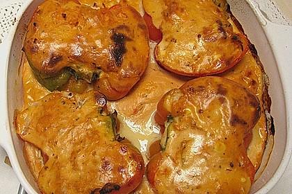 Paprikaschoten gefüllt mit Sauerkraut