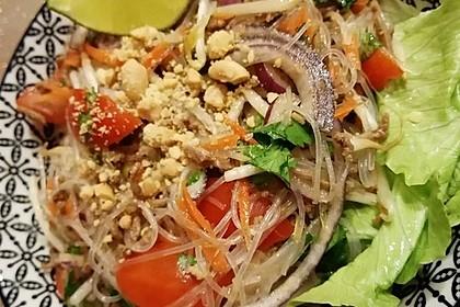 Thailaendischer Glasnudelsalat 2