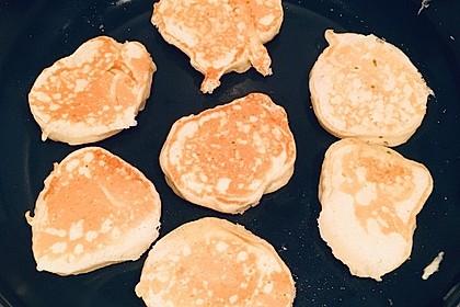 Amerikanische Buttermilch Pfannkuchen (Bild)